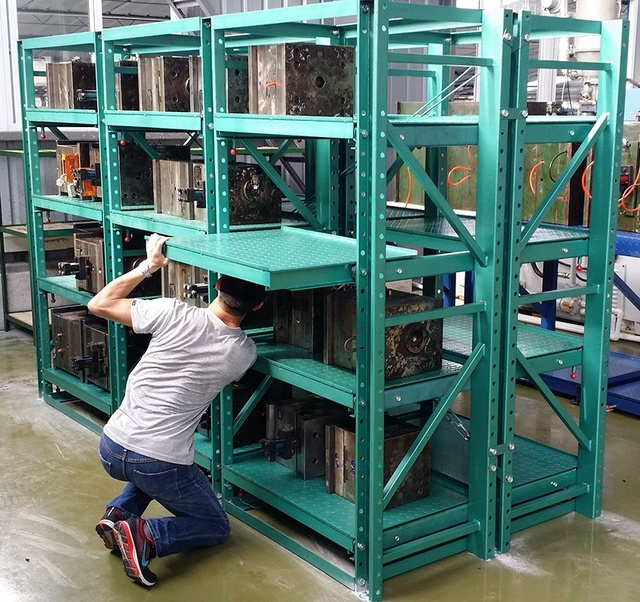 Injection Mold Roll Out Shelving Racks