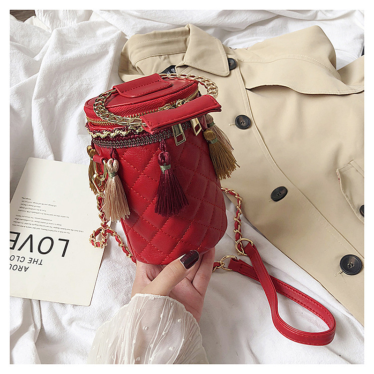 2020 Ladies New Trendy Handbags Quilted Round Bucket Handbags With Round Circle Handle And Tassel Unique Handbags Wholesale