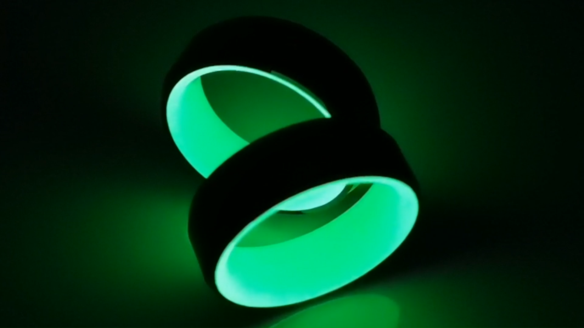 Fashion party carbon fiber glowing ring for men women jewelry glowing in the dark