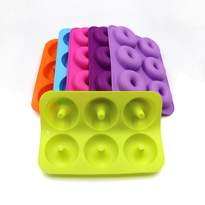 FDA Approved BPA Free Food Grade 6 Cavities Baking Tools Natural Silicone Doughnut Mould