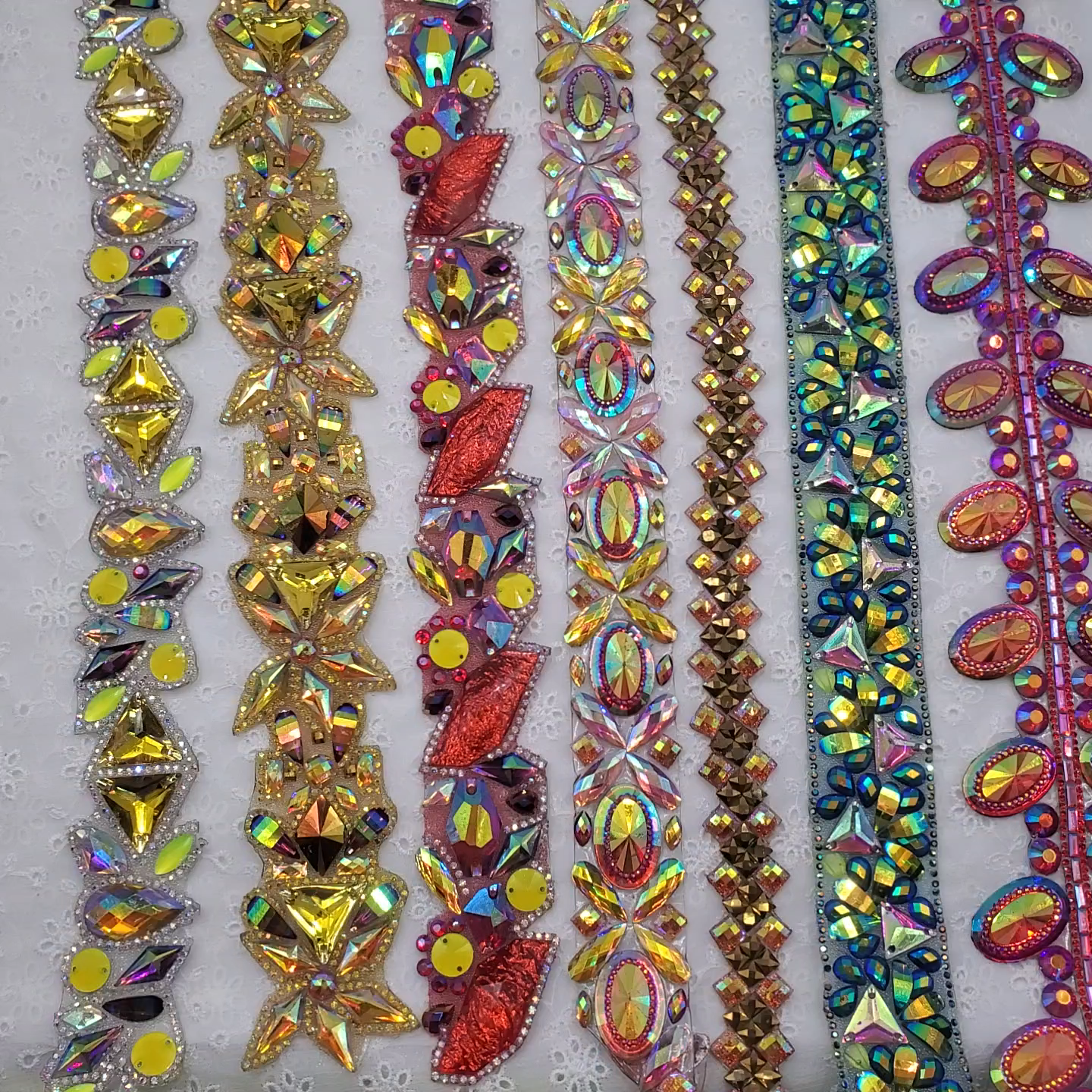 Hot sale Sewing Decoration Appliques Motif Hot Fix Rhinestone Tape Trim For Dresses