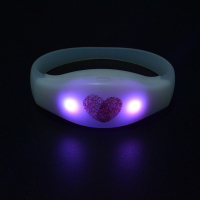 2019 New Patented Product Wedding Favor Souvenirs Custom Logo Remote Controlled LED Bracelet For Guest
