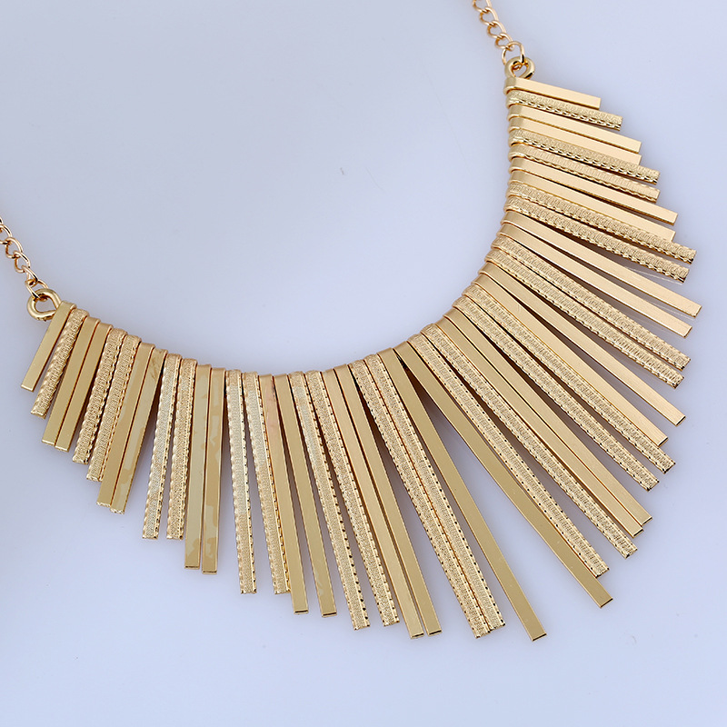 Personality exaggerated metal tassel pendant gold necklace female clavicle chain necklace