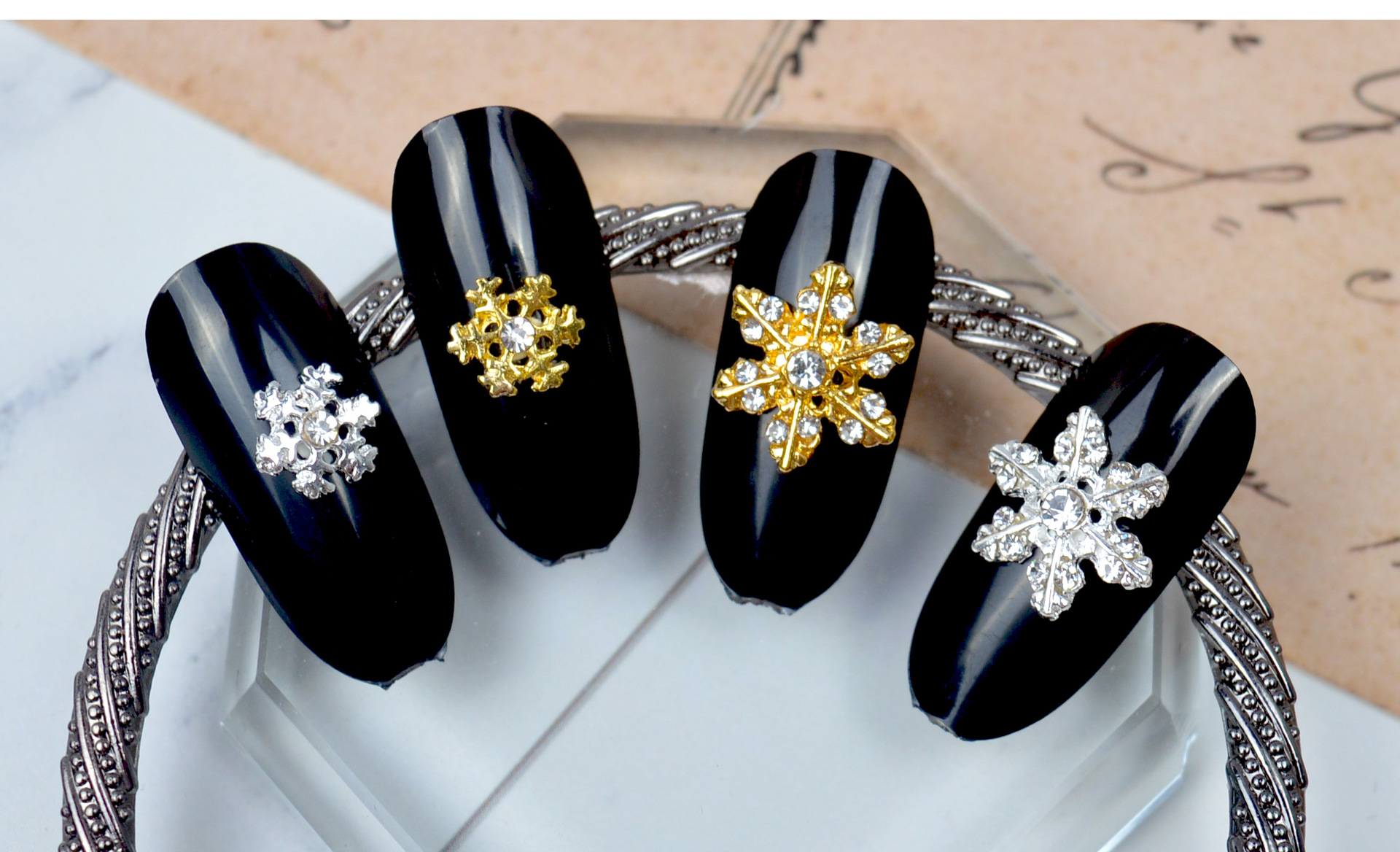 2020 New Arrival Alloy Metal Christmas Nail Jewelry Glitter for Nail Decoration