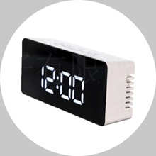 Meja <span class=keywords><strong>Digital</strong></span> LED Clock