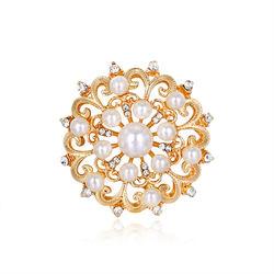 Vintage Gold Round Pearl Rhinestone Flower Brooche