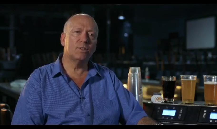 स्वत: पोर्टेबल पैंदा ऊपर बीयर पीने मशीन दो-नोक बियर कूलर