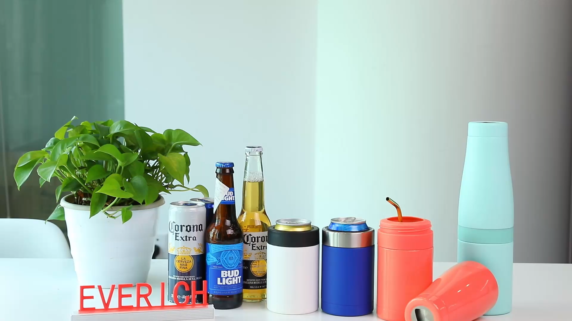 Esterno o di Partito Doppia Parete Coibentata Con Birra Apri di Tenere Le Bevande Più Freddo in Acciaio Inox 4-in-1 sottile 12oz può dispositivo di raffreddamento skinny