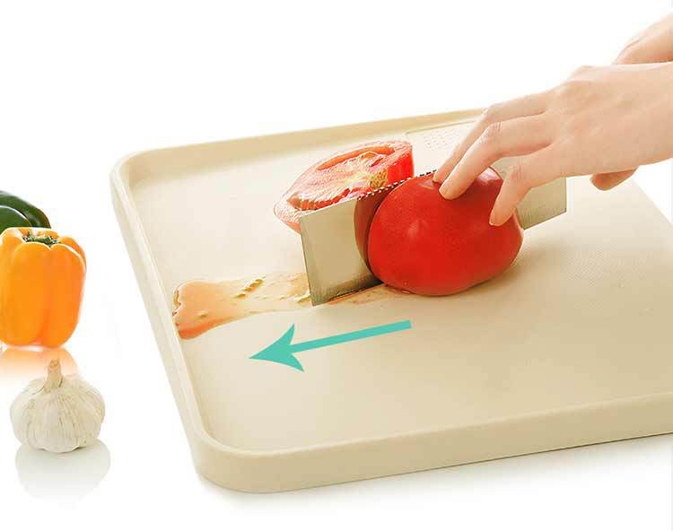 Multi-Fungsi Anti-Overflow Cutting Board Anti-Slip Plastik Bevel Memotong Blok Ukuran Sedang