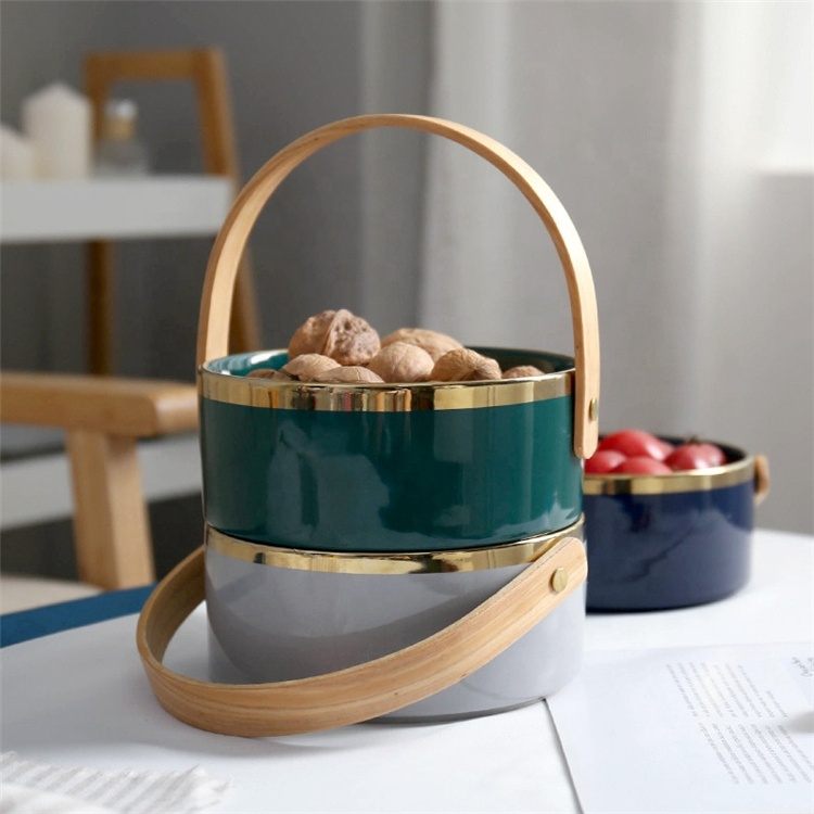 새로운 디자인 골드 림 음식 컨테이너 세라믹 스낵 과일 그릇 나무 손잡이