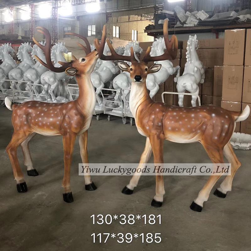 LK20190809-9 Life size modern fiberglass deer sculpture for Christmas home decoration