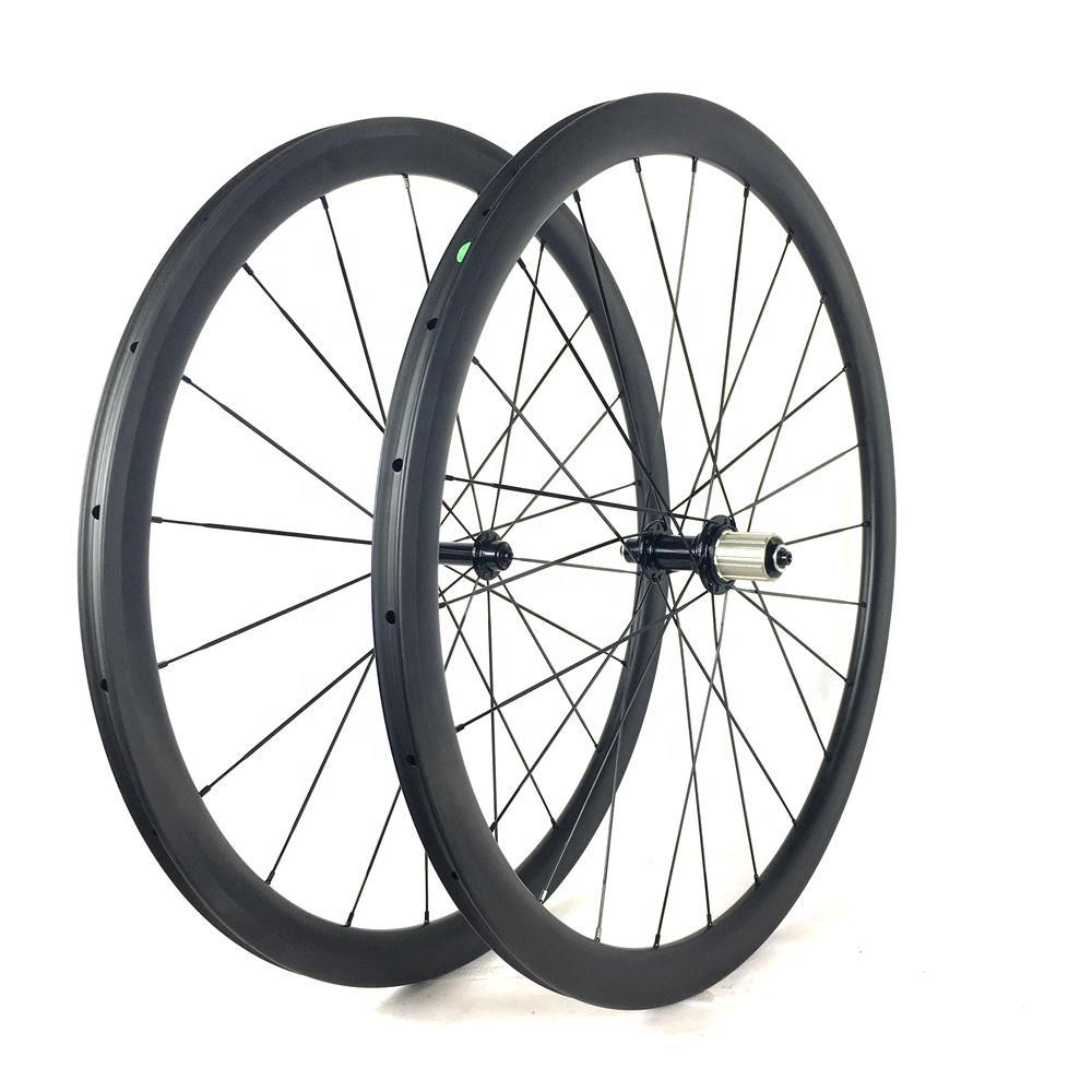 Lightweight Bicycle Toray T700 OEM Carbon Fiber Clincher Race Wheels For Road Bike Cycling Wheel set Chinese carbon bicycle