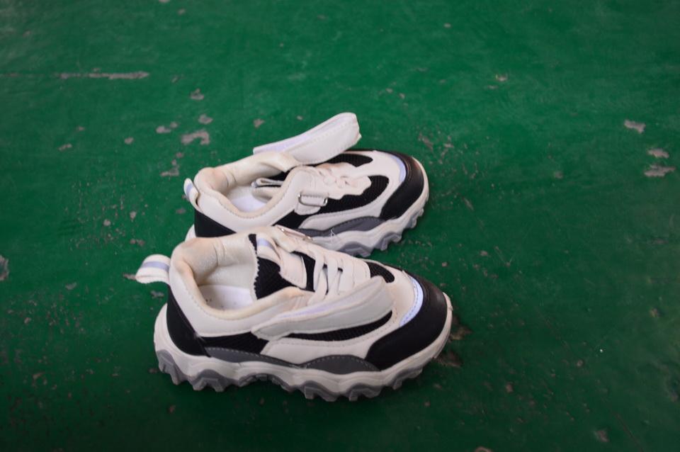Leuke Ontwerp Hoge Kwaliteit Comfortabele Gebruikt Schoenen Gebruikt Sportschoen Tweedehands Schoen