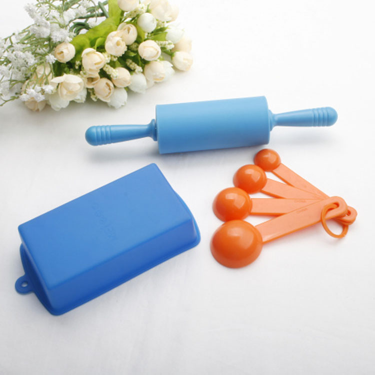 Private Label Colorful Durable Non-Stick Easy To Clean Heat Resistant Silicone Spatula Kids Baking Set