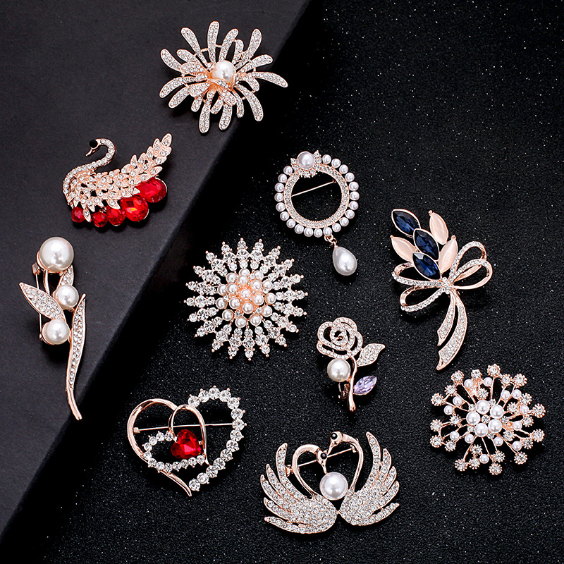 2020 Fashion Simple Diamond Flower Design Brooch Crystal Rhinestone Feather Swan Wedding Dress Accessories Brooches For Suits