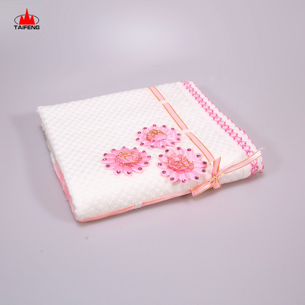ピンクの花の赤ちゃん毛布かぎ針編みのおくるみ毛布赤ちゃんケニア