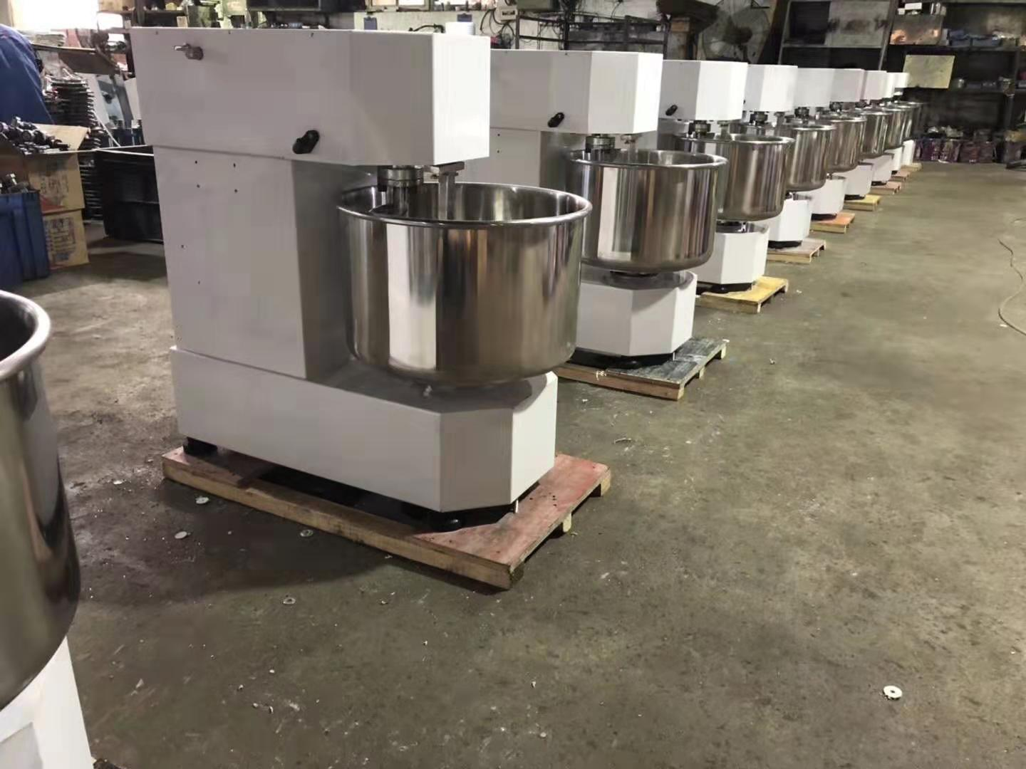 Bakery Equipment 20L Dough Mixer Commercial Bakery Flour Mixing Machine