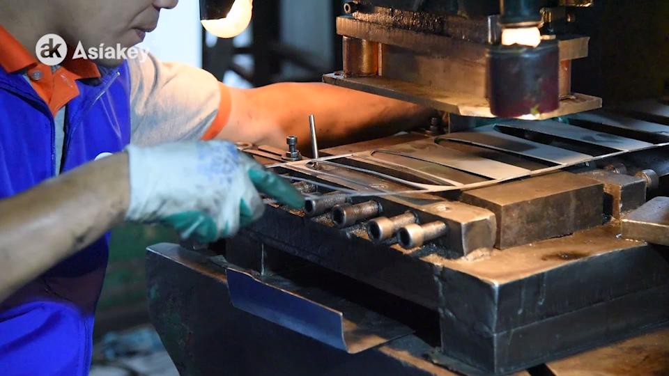 14 टुकड़े जर्मन उच्च कार्बन स्टेनलेस स्टील खोखले संभाल स्वयं Sharpening रसोई के चाकू धारक के साथ सेट