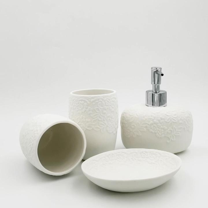 Elegant Flower Design Round Ceramic Porcelain Bath Bathroom Sets