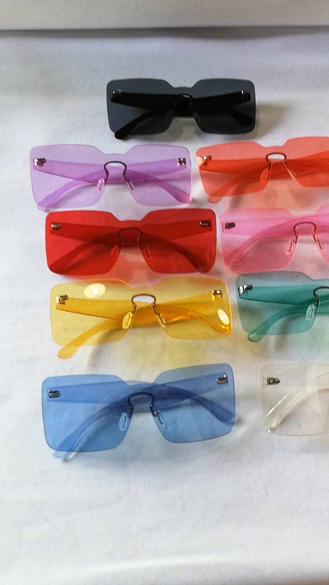 Nuovo di Vendita Caldo di Modo Delle Donne di Grandi Dimensioni Occhiali Da Sole di Colori Della Caramella Senza Montatura Occhiali Da Sole Quadrati 2019