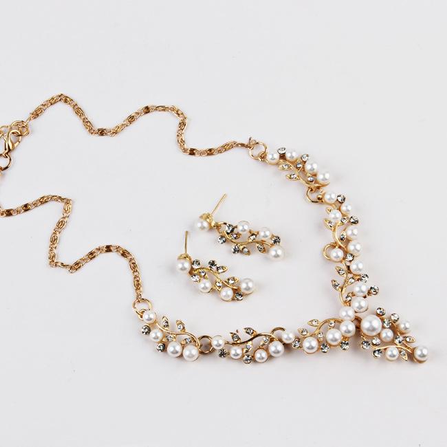 2020 सैफ थोक मोती मिश्र धातु नई अनुग्रह लक्जरी फैशन वधू शादी की महिलाओं के लिए हार और कान की बाली गहने सेट