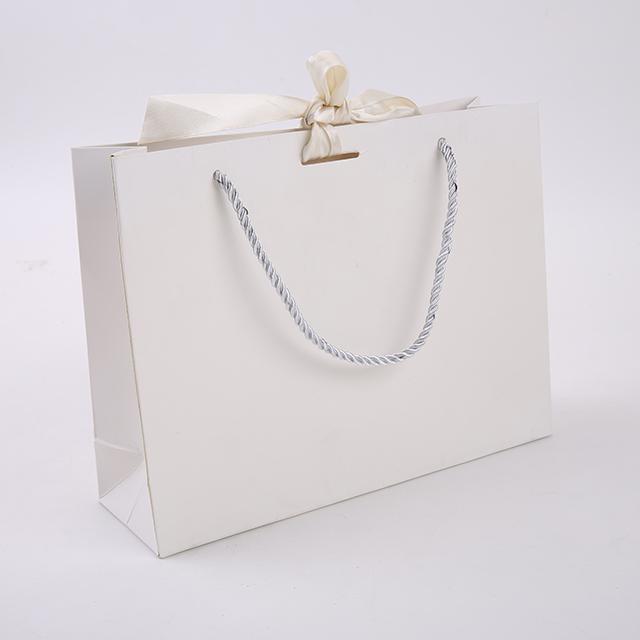 Изготовленный на заказ логотип фабричная продажа сумка хозяйственная сумка дешевая вынимая бумажная сумка