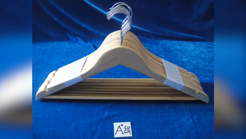 P66 Wooden Hanger for daily usage