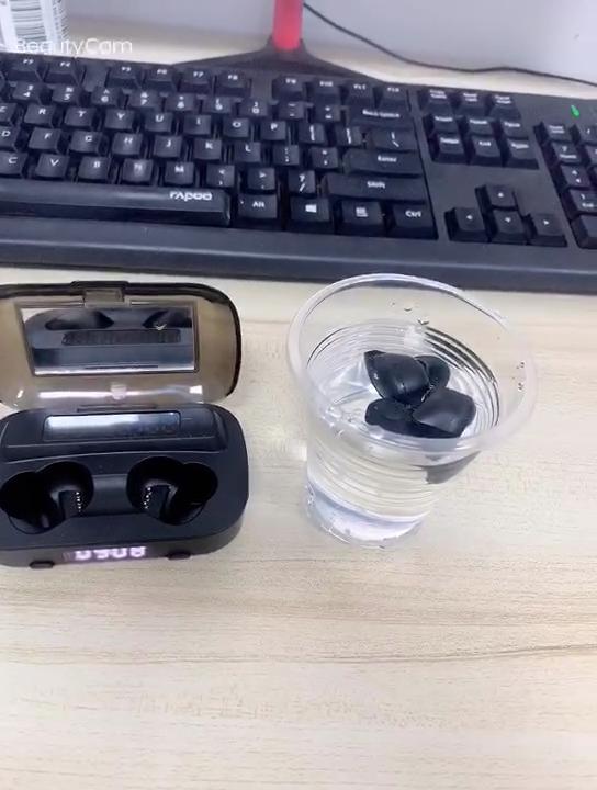M13 Wireless Earphone TWS 9D Stereo Membatalkan Kebisingan Headset Kontrol Sentuh Earbud dengan 2000M Ah Charger Kotak Tampilan Jam Headphone