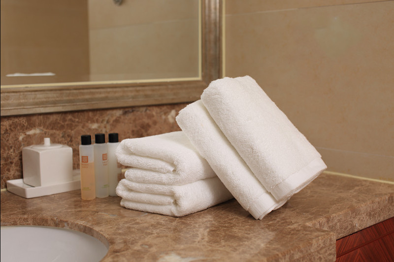 China hot sale customized color towels bath 100% cotton 5 star hotel