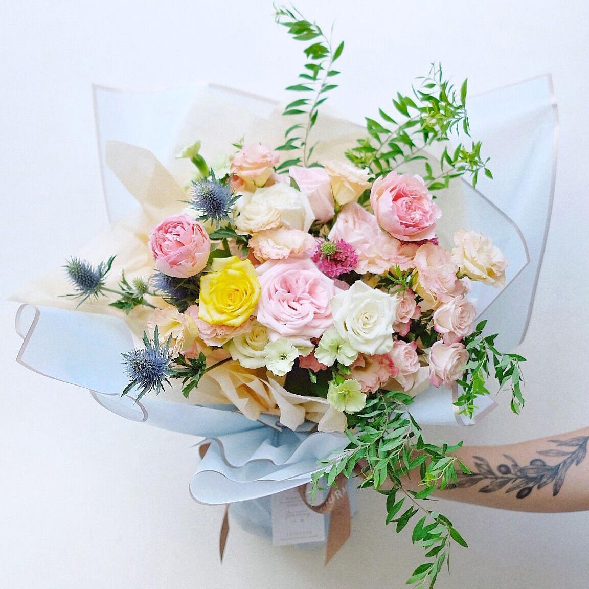 Kualitas Baik Hadiah Pembungkus Sekarang Tahan Air Emas Sisi Bunga Kemasan Kertas Buy Bunga Kemasan Kertas Seni Packing Toko Bunga Kertas Pembungkus Product On Alibaba Com