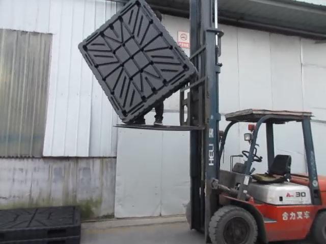 1200*1200mm भारी शुल्क उड़ाने मोल्डिंग प्लास्टिक की चटाई के साथ चावल बैग के लिए गतिशील लोड 2000kg