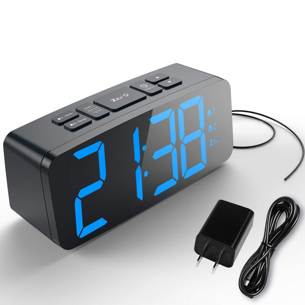 Commercio all'ingrosso Decorazione Della Casa Del Desktop Grande Tasto Snooze Grande Display A LED Digital Alarm Clock con un Grande Numero di