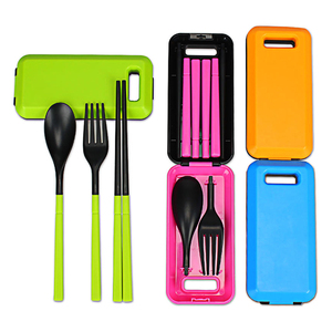 Amazon Top Seller 2020 New Product Kitchen Accessories Reusable Tableware Foldable 3PCS Plastic Chopsticks Spoon Fork With Case