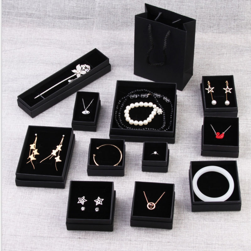 Gift Jewelry Box Exquisite Custom Logo Black Kraft Paper Necklace Bracelet Ring Earrings Cheaper Jewelry Box with insert