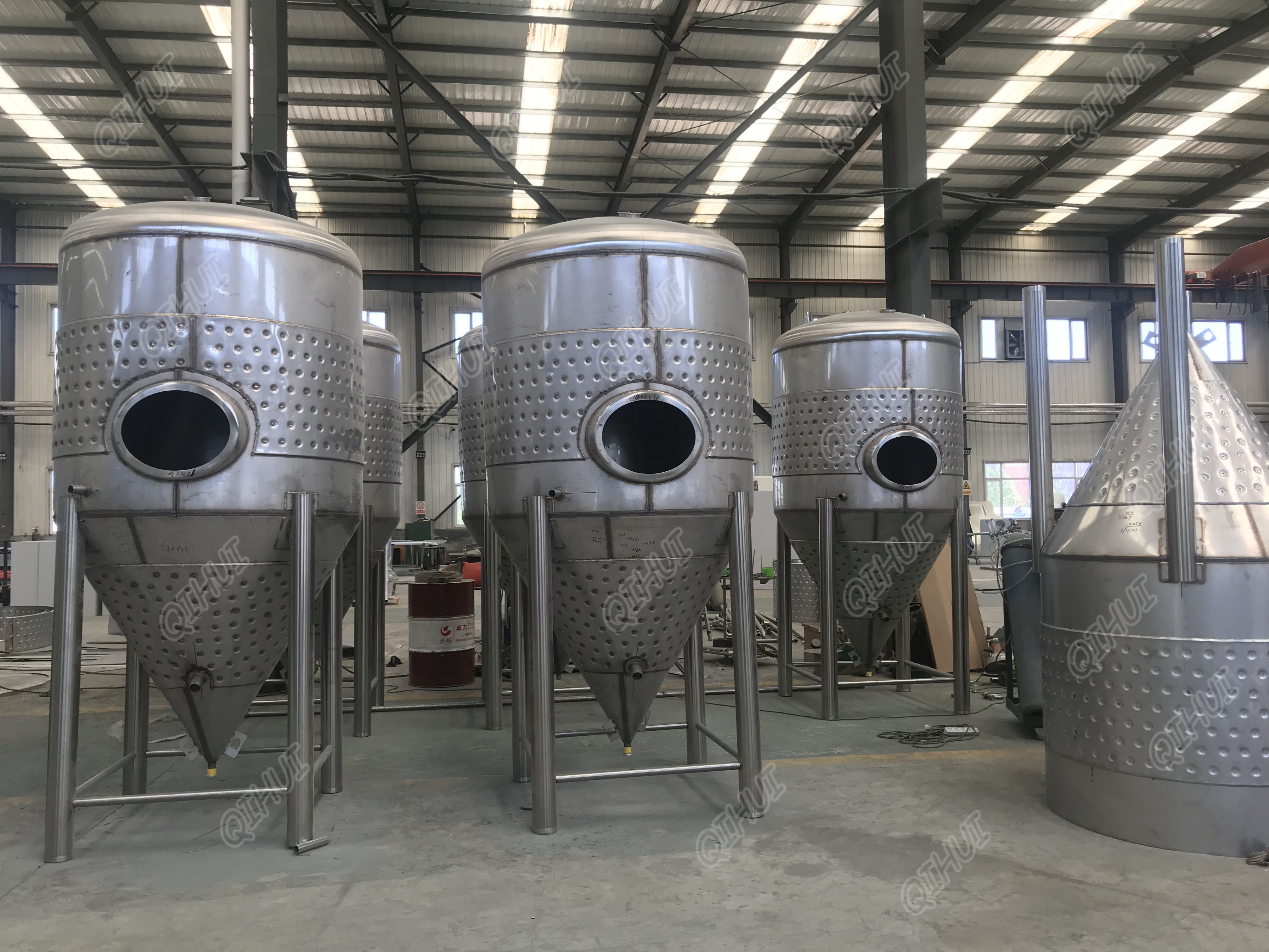 1000L Jacketed unitank conical Brewery fermenter