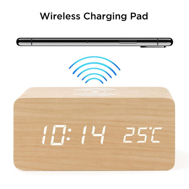 Multifunction LED Mobilephone Station Wooden Alarm Clock Fast Qi Wireless Phone Charger