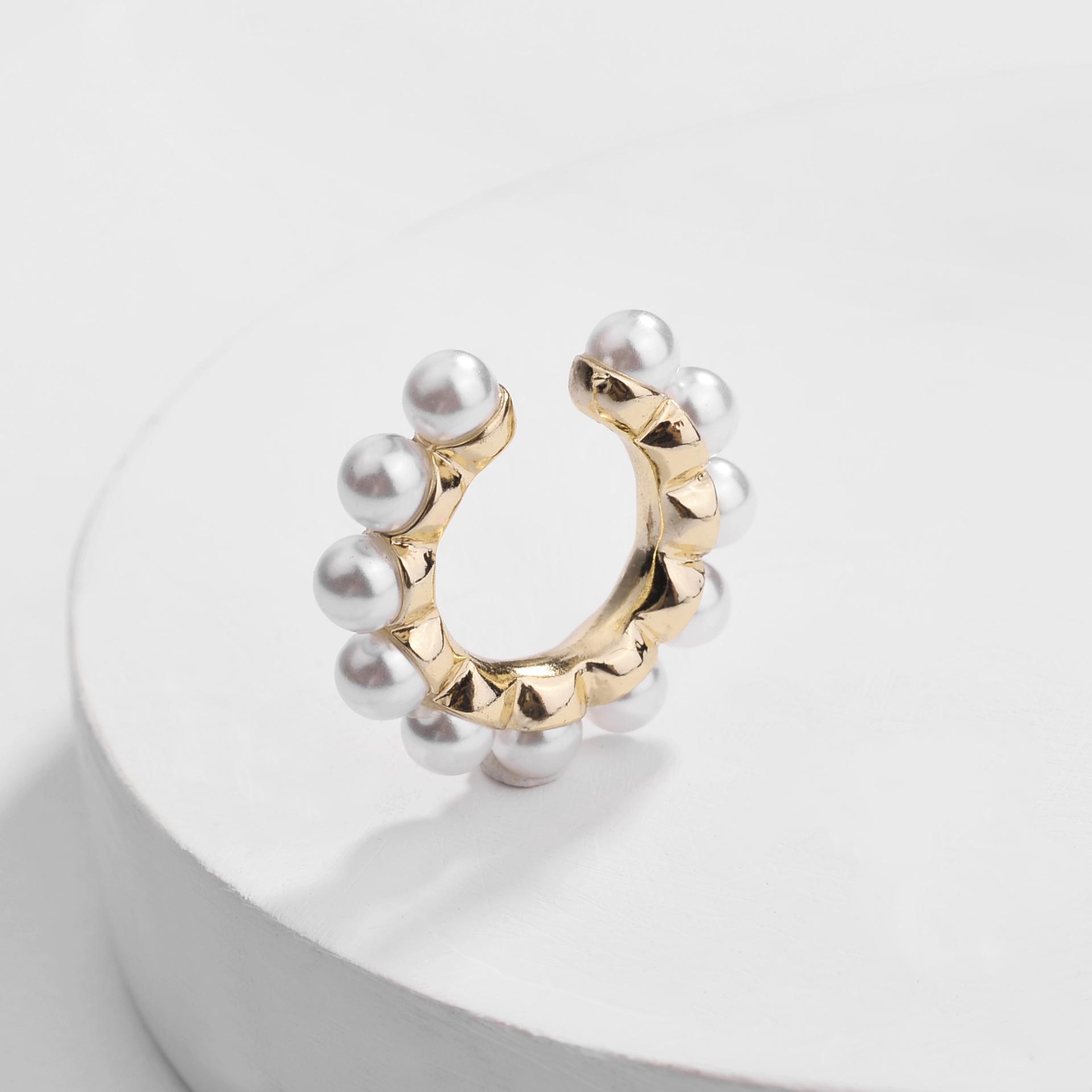 2020 ヨーロッパとアメリカのファッションゴールドプレート合金パールイヤリングなし穴耳カフなしピアス女性のための