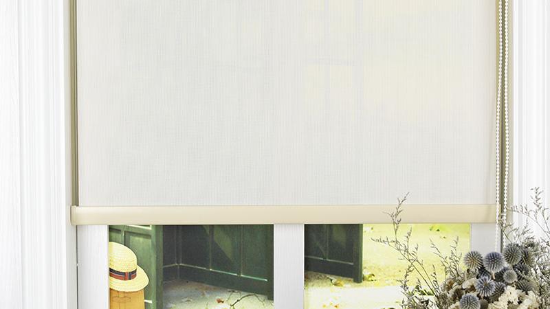 Китайские высококачественные солнцезащитные жалюзи для окон, роликовые водонепроницаемые жалюзи, огнезащитные жалюзи из полиэстера и ПВХ