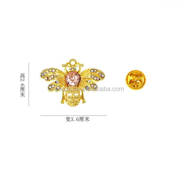 Insect Bee Frog metal gold Brooches Pin Female Hijab Pin Snails Beetle Broche Male Suit Lapel Pin Animal Crystal Brooch pins