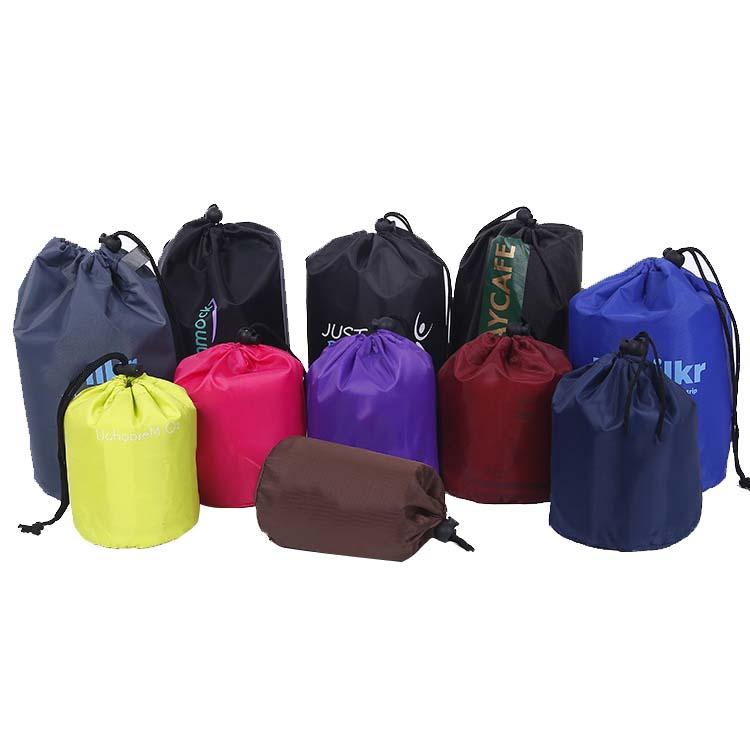 Yuvarlak alt polyester naylon malzeme kozmetik çantası makyaj çantası İpli