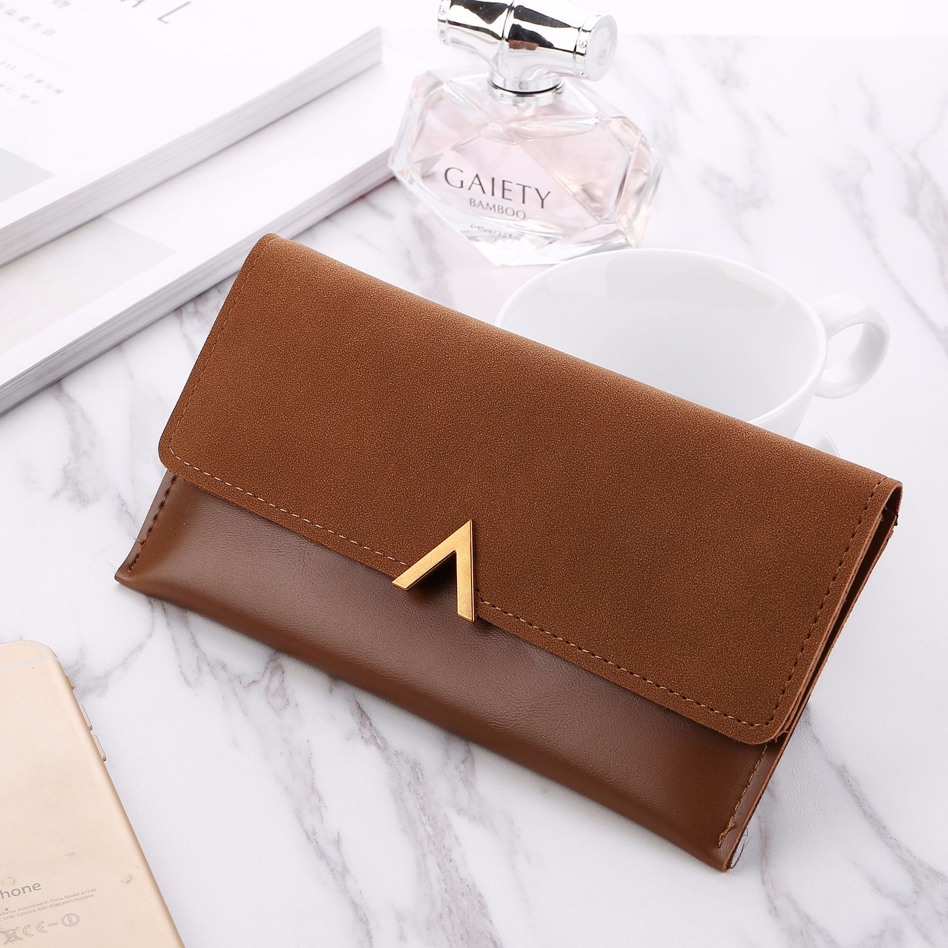 Many Kinds Of PU Leather Stitching Technology Simple Ladies Purse With <strong>V</strong> Accessories