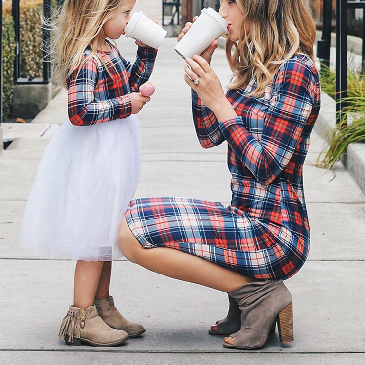 Hot Mommy And Me Clothing Mother Daughter Clothing Kids Dresses Mom Daughter Matching Dress for Mother and Daughter