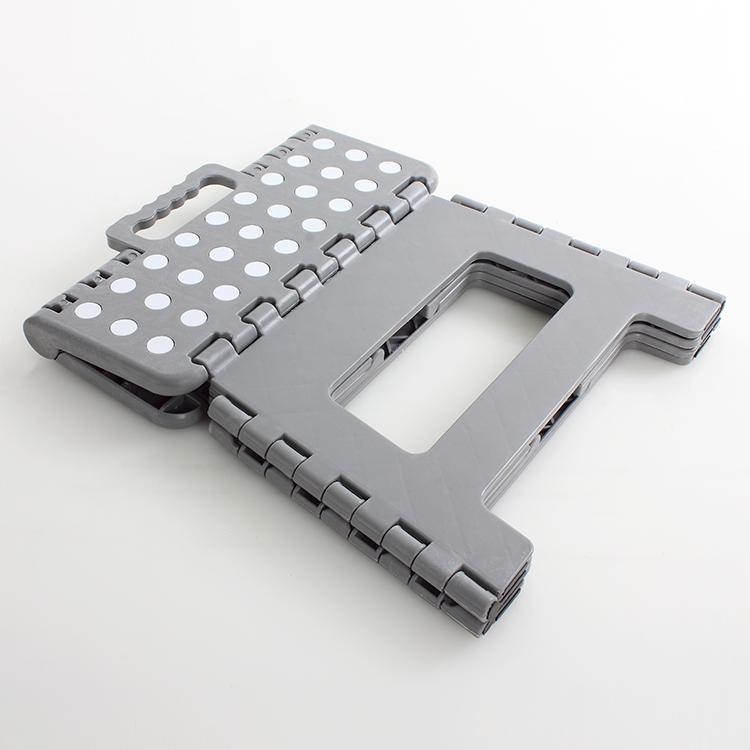 Convenient and practical economic folding step stool