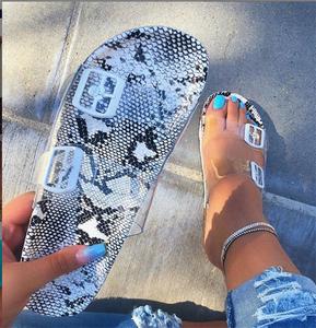 2019 Women's Sandals Leopard Snake Print Summer Outside Slippers Ladies Cute Flat Buckle Slippers Women's Hot  Sandals