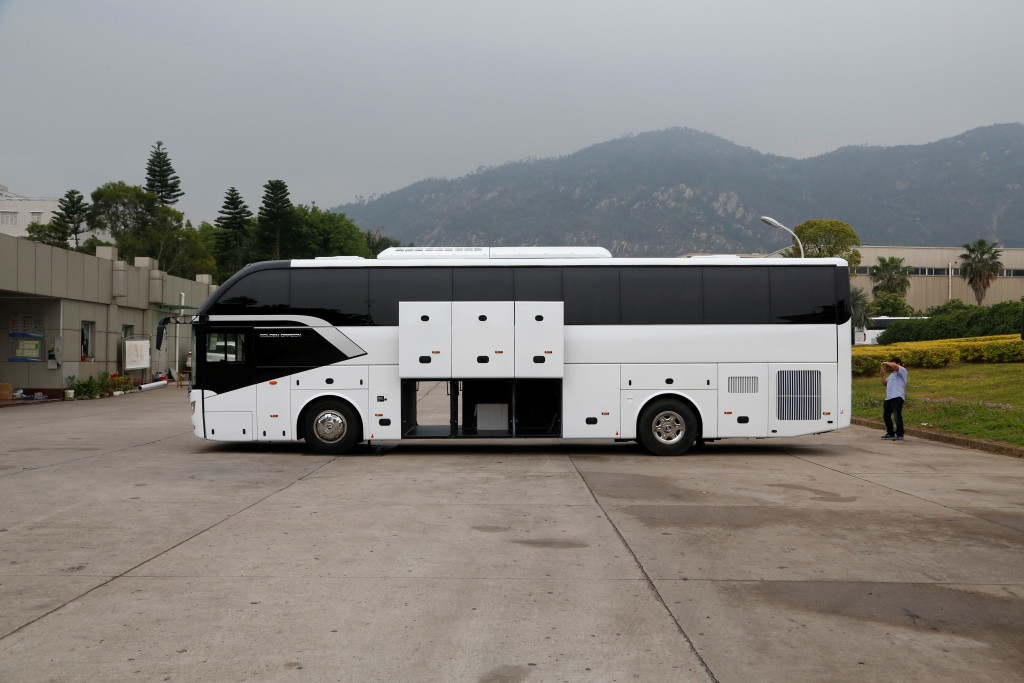 2018 New China Brand Passenger Bus  Tourist Bus Diesel  coach Bus with GOST certificate