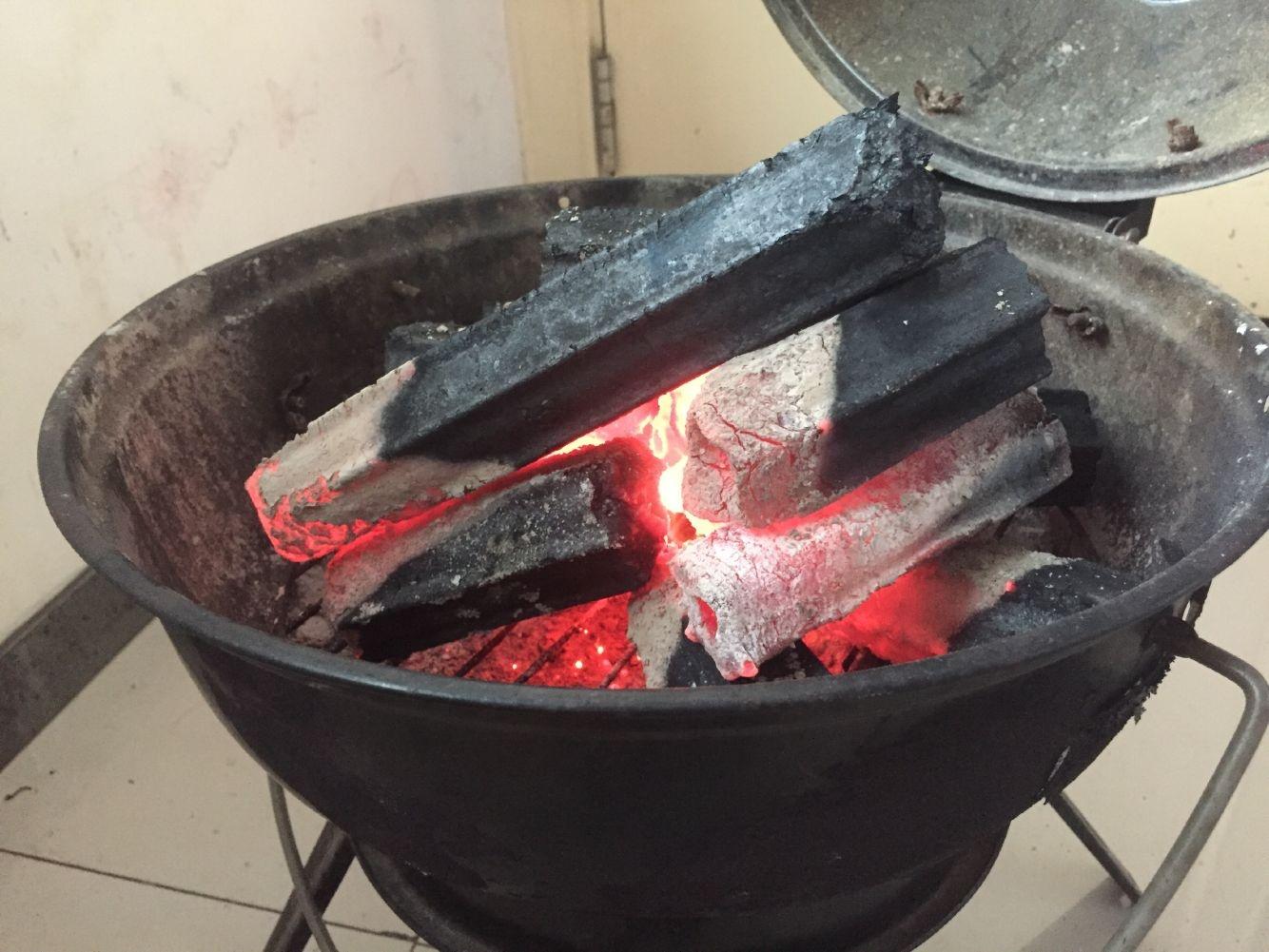 HQBQ0006 HongQiang Longer Burning Hexagonal Barbecue Cooking Wood Coal