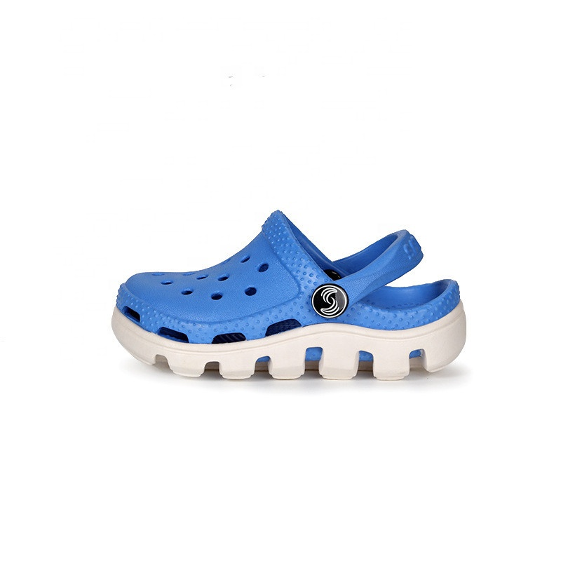 Classic design high quality beautiful health care antibiosis anti-skid beach student water footwear crocse shoes clog sandals