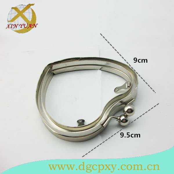 9.5*9cm Nickel Direct Factory Heart-Shaped Kiss Lock Metal Clasp Frame
