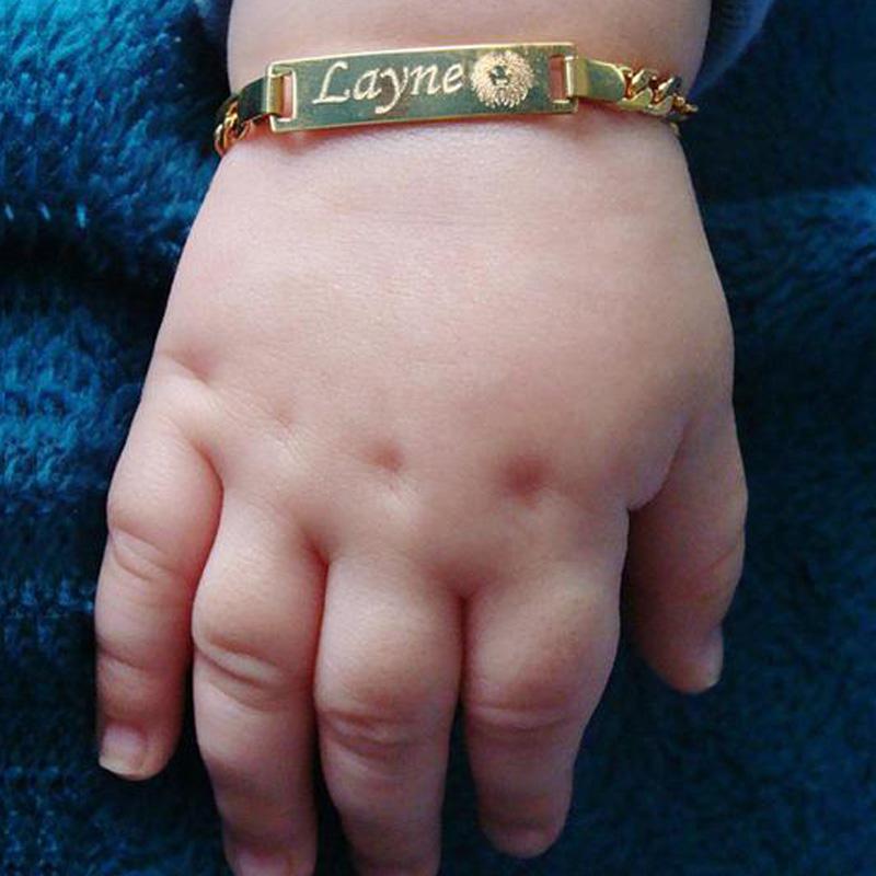 Personalizar Nombre de bebé pulsera Figaro cadena suave brazalete enlace oro tono No se desvanecen de seguridad de la joyería