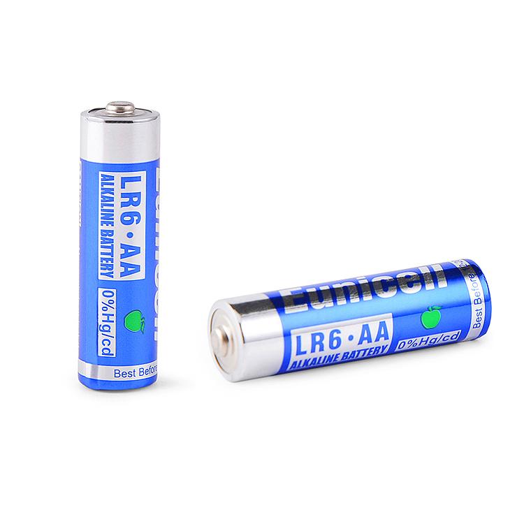Alcaline al manganese rivestimento di PVC batteria della macchina fotografica 1.5v a buon mercato AA Lr6 durevole batterie a secco